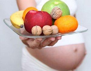При наявності захворювань опорно-рухового апарату потрібно дотримуватися кальцієвої дієти ще до моменту зачаття.