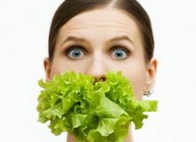 Поради дієтологів для схуднення містять рекомендації по калорійності раціону і правилам дотримання дієт