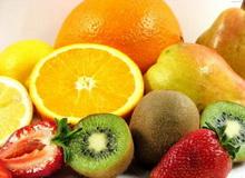Фрукти і ягоди дуже корисні людям, що сидять на дієті при пієлонефриті