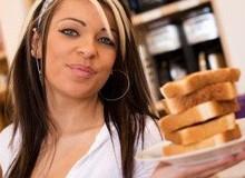 За 5,5 місяців хлібної дієти можна позбутися від 21 зайвого кілограма
