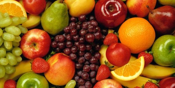 Якщо у вас лущаться губи їжте фрукти, рибу, м'ясо і т.д.