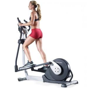 Тренування на еліптичному тренажері для схуднення є ідеальним засобом здобуття стрункої фігури