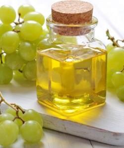 Масло виноградної кісточки має в складі безліч корисних речовин