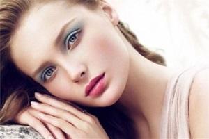 Романтичний макіяж для ваших очей.