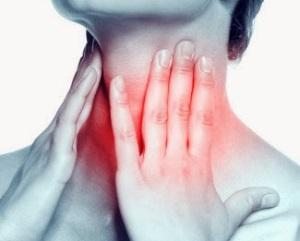 Печіння в носоглотці є побічним ефектом препарату.