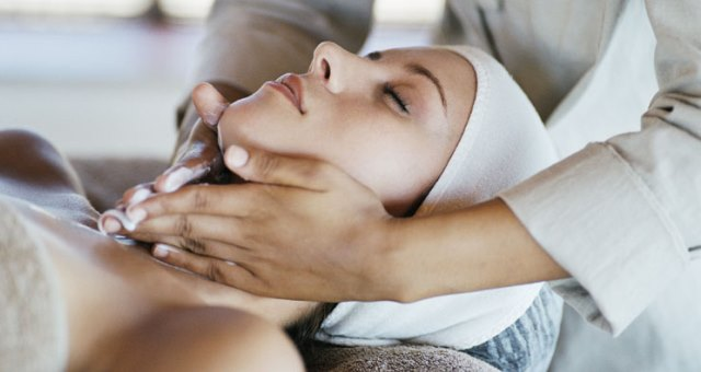 Косметичний масаж
