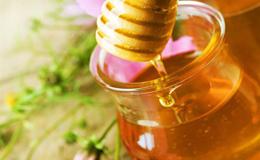 Основні правила проведення процедури медових обгортань для схуднення