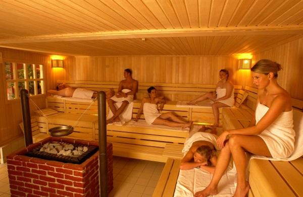 Відвідувати парилка, сауну можна але головне щоб температура не перевищувала 80-90 градусів