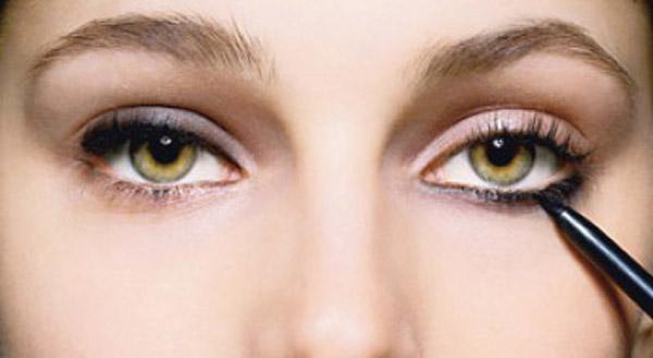 Підберіть свій стиль підводки очей виходячи з ваших очей.