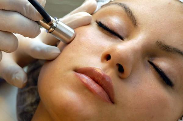Чистка обличчя це правильне позбавлення від прищів на обличчі.