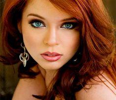 Для рудо волосним власниць зелених очей найпростіше вибрати колір макіяжу.