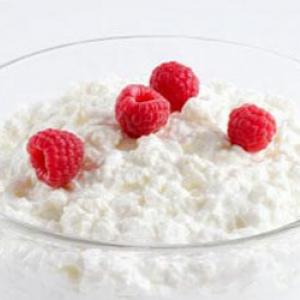 Сир для схуднення забезпечує організм всіма потрібними вітамінами і амінокислотами