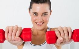 Ефективні вправи з гантелями для жінок